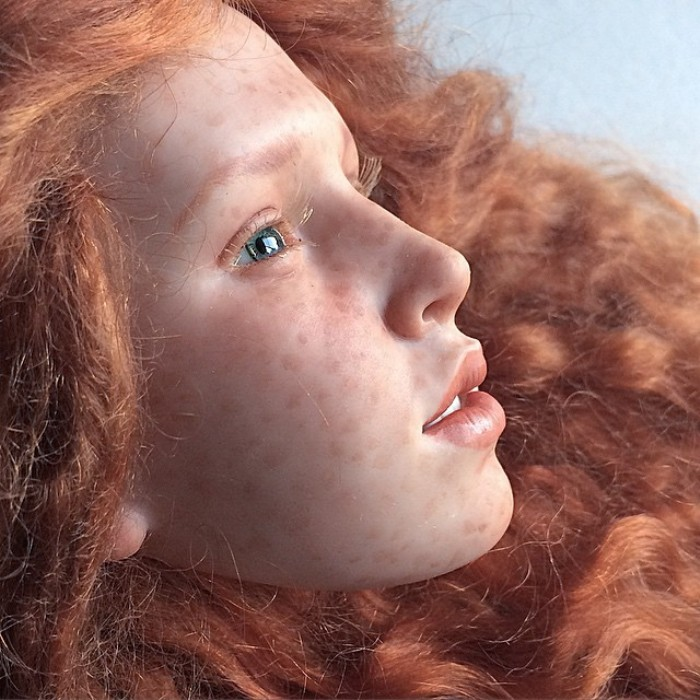 Трудно поверить в то, что это лицо принадлежит кукле, а не живому человеку. Автор: Михаил Зайков.