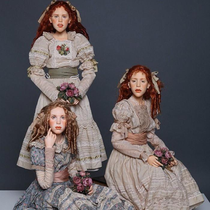 Стилистика, материал и размер этих кукол больше похожи на традиционных статичных кукол, при этом куклы шарнирные, полностью подвижные. Автор: Михаил Зайков.