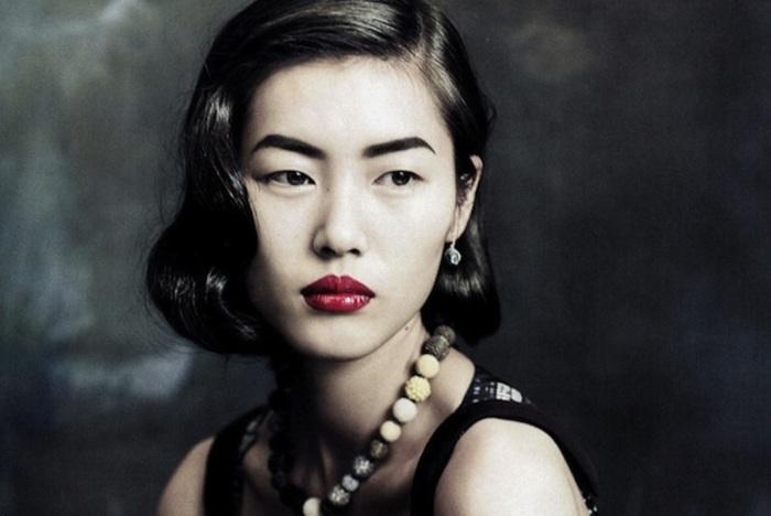 Девон Аоки — самая низкорослая модель в мире.