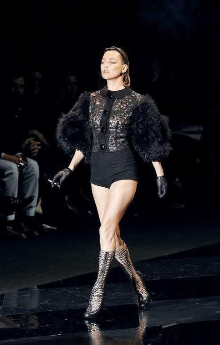 Несмотря на свой рост, ей удалось стат одной из самых востребованных моделей 90-х годов.