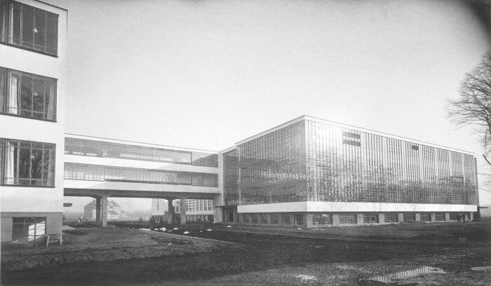 Фотография здания Баухауза, Лючия Мохоли, 1926 год. \ Фото: metalocus.es.