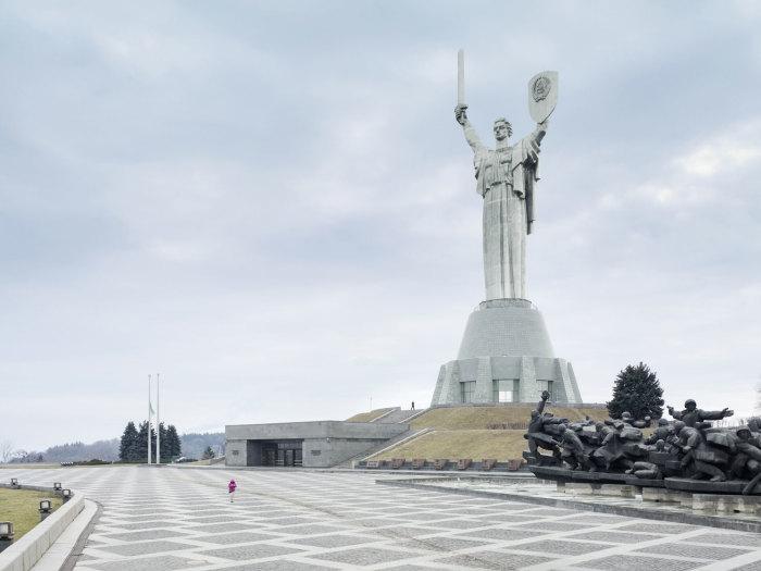 Родина-мать, Киев, Украина, 62 метра. Автор: Fabrice Fouillet.