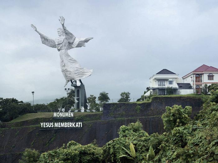 Благословение Христа, Манадо, Индонезия, 30 метров. Автор: Fabrice Fouillet.