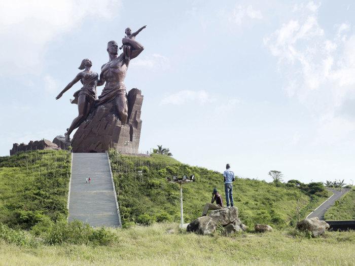 Монумент африканского возрождения, Дакар, Сенегал, 49 метров. Автор: Fabrice Fouillet.