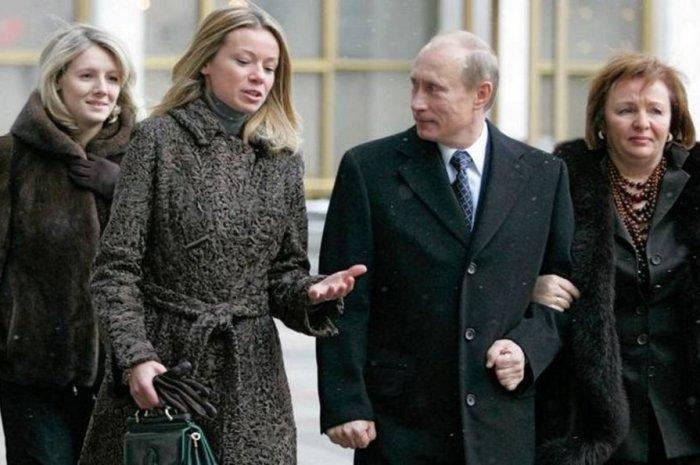 Дочери Путина. \ Фото: atr.ua.