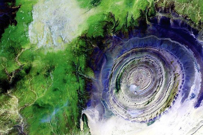 Структура Ришат — геологическое образование, расположенное в мавританской части пустыни Сахара.