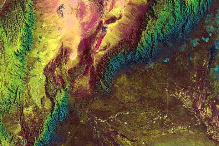 Хребет Сьерра-де-Веласко в Аргентине. Фото сделанное NASA.
