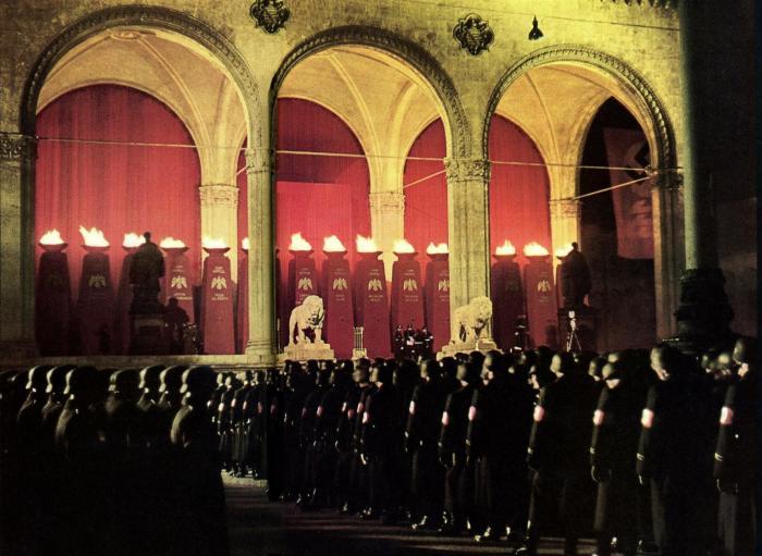 Инициация нацистского офицера СС. \ Фото: reddit.com.
