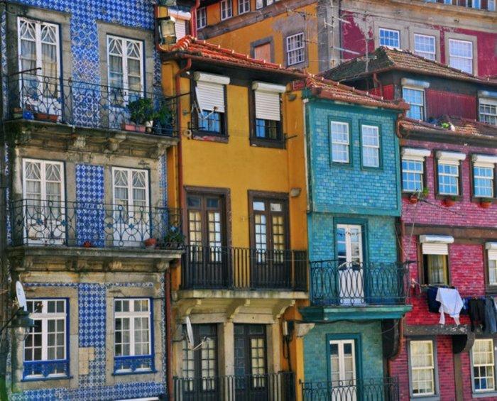 Порту — один из древнейших городов Европы, бывшая столица страны и нынешняя столица портвейна.