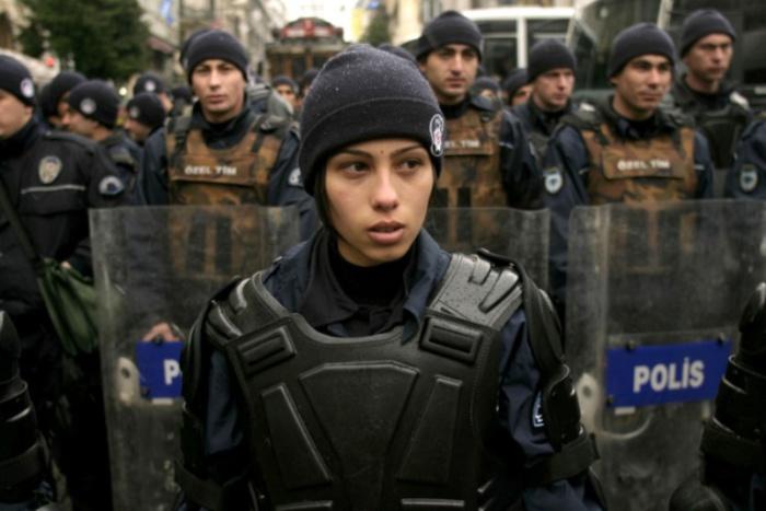 Турция. Самые красивые девушки-полицейские из разных стран.