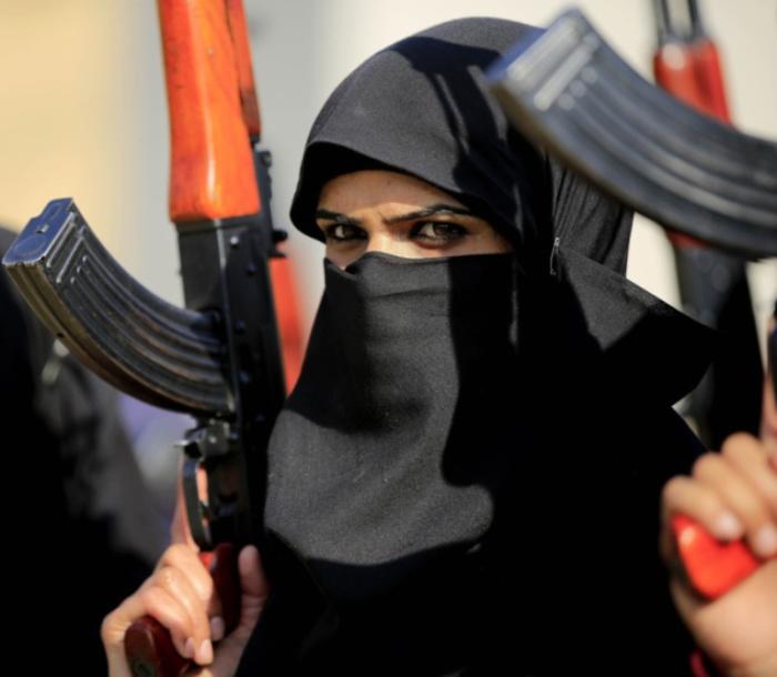 Пакистан. Самые красивые девушки-полицейские из разных стран.