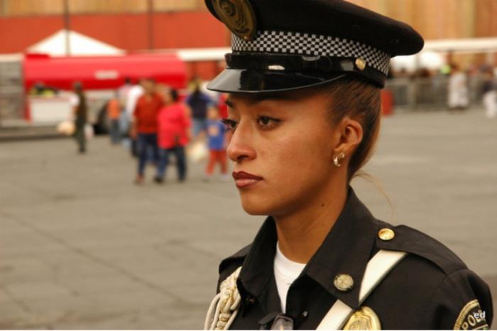Мексика. Самые красивые девушки-полицейские из разных стран.
