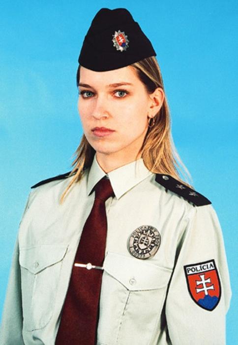 Словения. Самые красивые девушки-полицейские из разных стран.