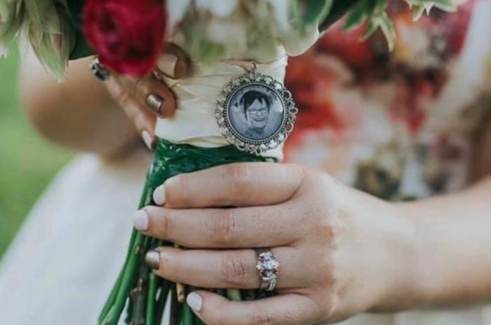 Кольцо, о котором девушка мечтала с детства.