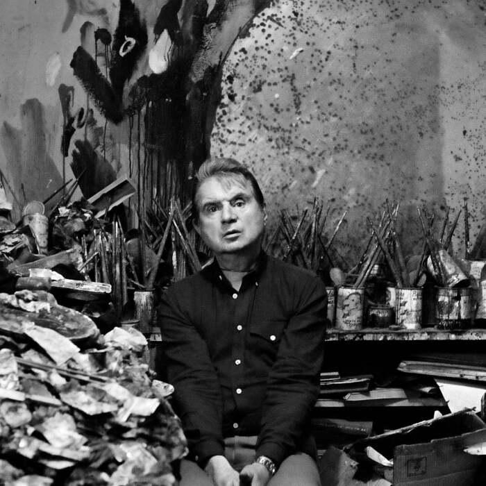 Фрэнсис Бэкон в своей студии в 1980 году. \ Фото: yandex.ua.