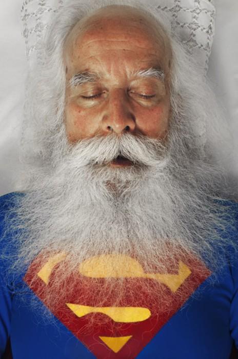 Нестор в образе Супермена. Автор фото Romina Ressia.