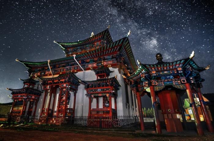Как бы ни так! Это Иволгинский дацан в Бурятии Буддийский монастырь-дацан, центр Буддийской традиционной Сангхи России.