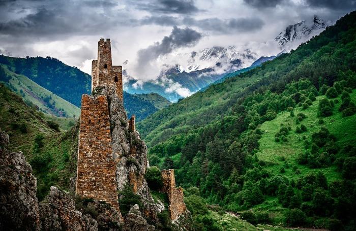 Башни в высокогорном Джейрахском районе Ингушетии.