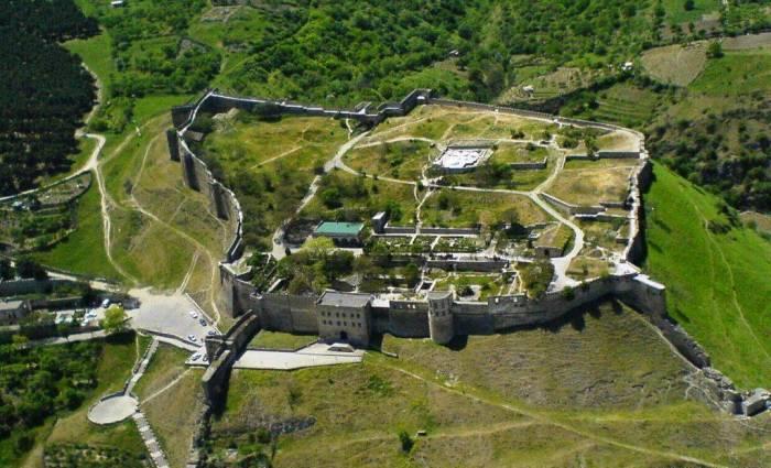 Замок в средневековой Румынии?