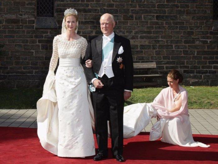 Принцесса Дании Натали цзу Сайн-Витгенштейн-Берлебург и её отец, 2011 год, Германия.