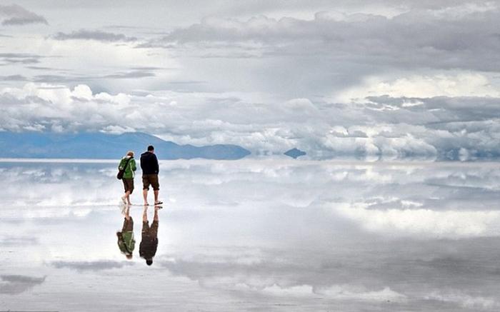 Соляное озеро Салар де Уюни. Зеркальная гладь.