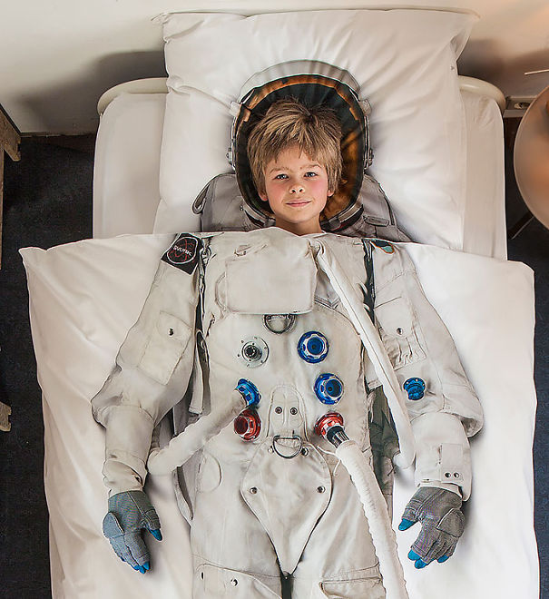 Одеяло астронавт (Astronaut Bed Cover).