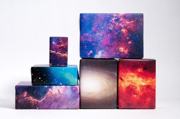Космос, тематическая бумага для упаковки подарков (Space Themed Gift Wrapping Paper).