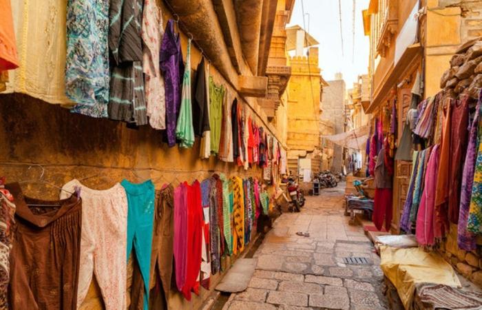 Пропитанный солнцем Джайсалмер часто называют «Золотым городом» Индии.