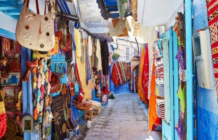 Марракеш - яркий город насыщенных цветов.