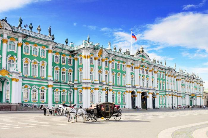 Культурная столица России, северная Венеция, детище Петра — так часто называют Санкт-Петербург.
