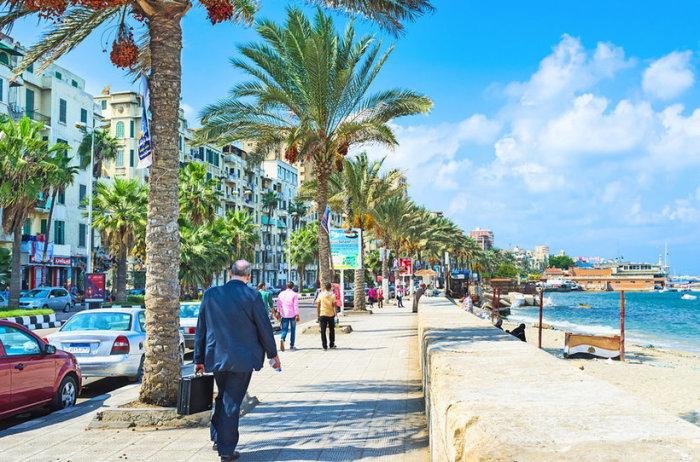 Александрия представляет собой своеобразный симбиоз древней истории и современного пляжного курорта.