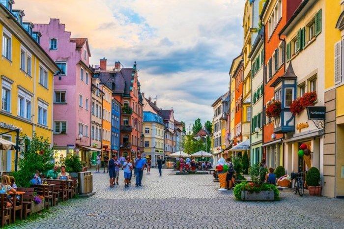 Линдау — единственный баварский город, которому посчастливилось оказаться на берегу Боденского озера.