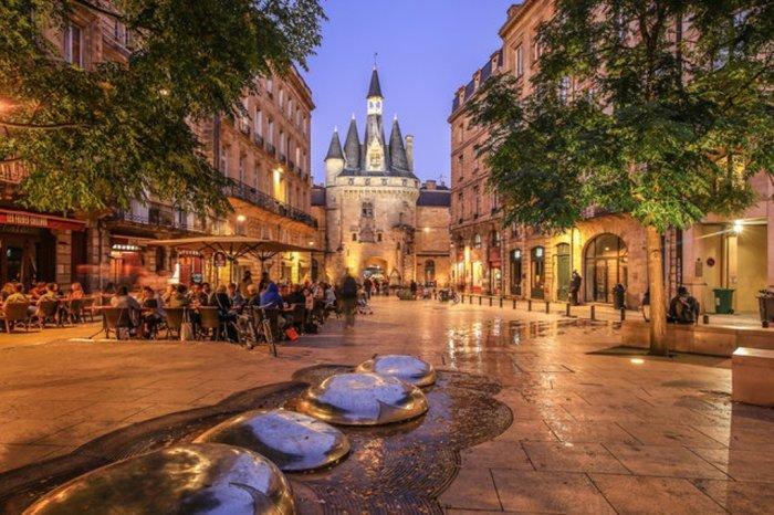 Лион — город выдающихся художественных музеев, бурной культурной и весёлой клубной жизни.