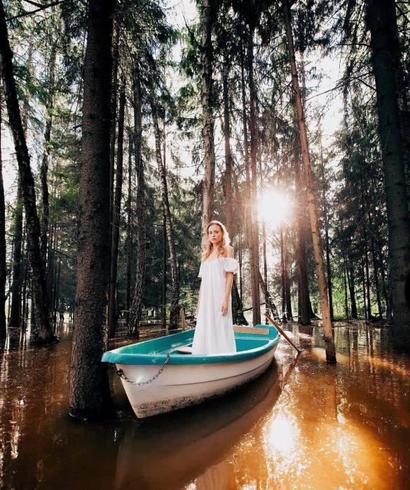 Лодка. Автор: Платон Юрич.
