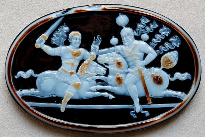 Камея из сардоникса, изображающая императора Валериана и Шапура I, конец 3-го века. \ Фото: ca.m.wikipedia.org.