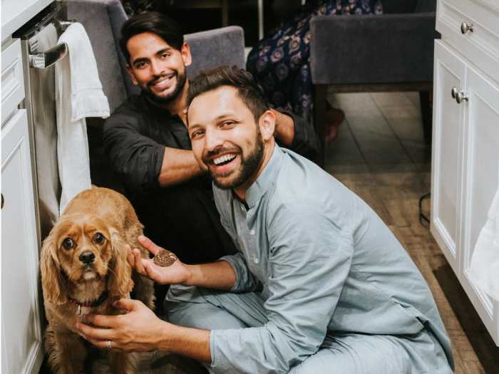 Амит Шах и Адитья Мадираджу состоят в браке с 2018 года.