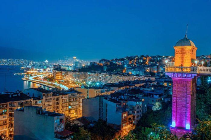 Город был основан греками, затем завоеван римлянами и перестроен Александром Македонским, а в XV веке вошел в состав Османской империи.