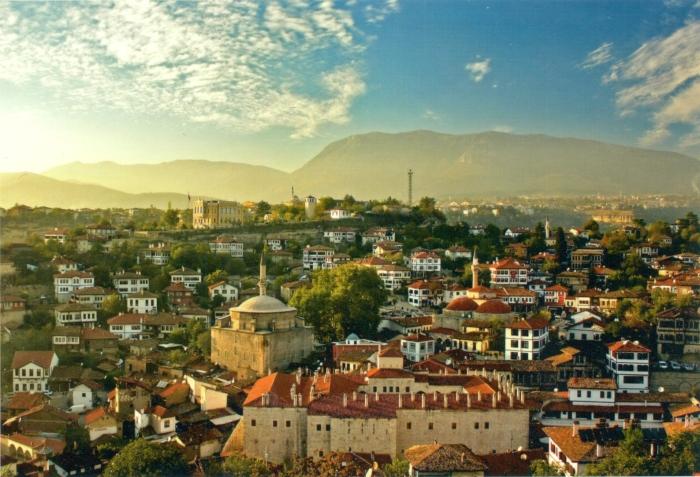 Сафранболу — город и самый большой и развитый район провинции Карабюк.
