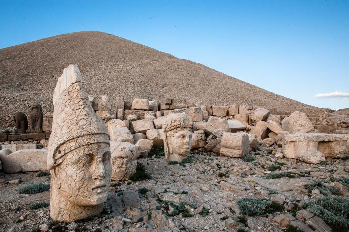 Немрут-Даг — гора на юго-востоке Турции в Таврских горах в иле Адыяман.