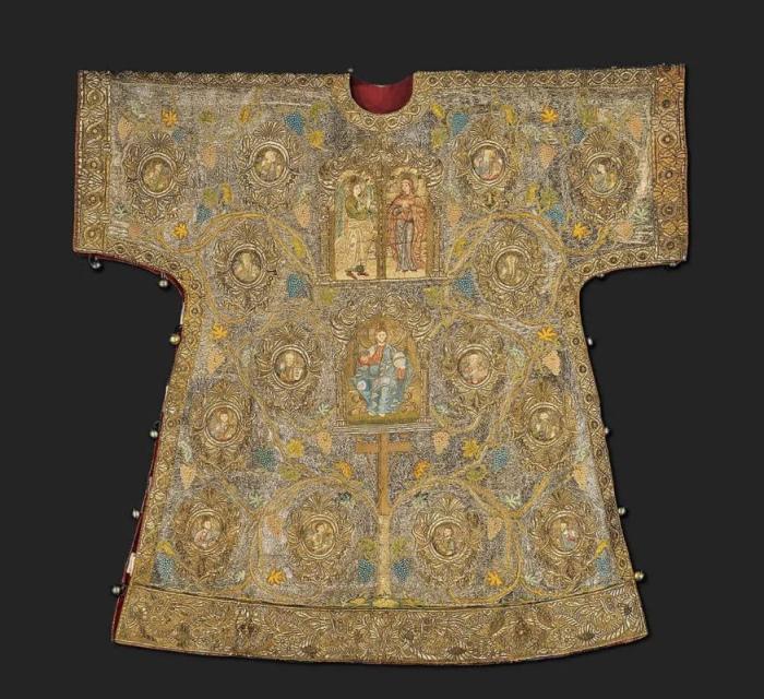 Золотое облачение для епископа Византии. / Фото: hellinon.net.