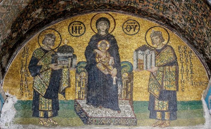 Мозаика у входа в собор Святой Софии на юго-западе. / Фото: educazionealtalento.com.