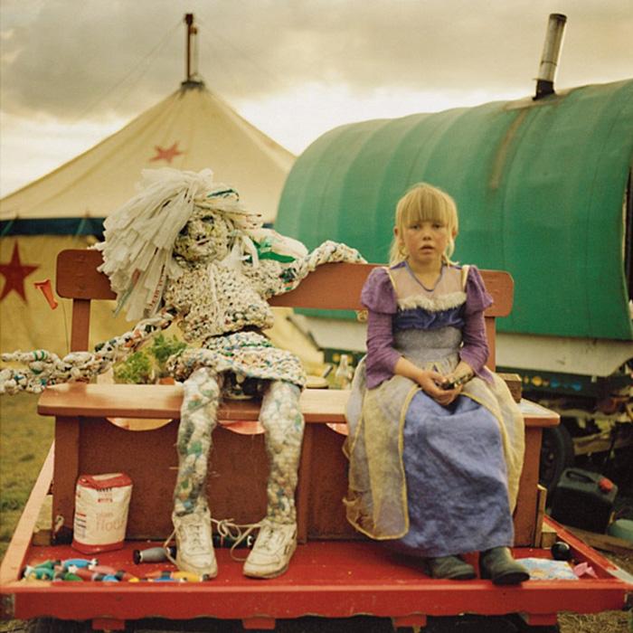 Цыгане 21 века: фотографии современных бродяг, путешествующих конным табором
