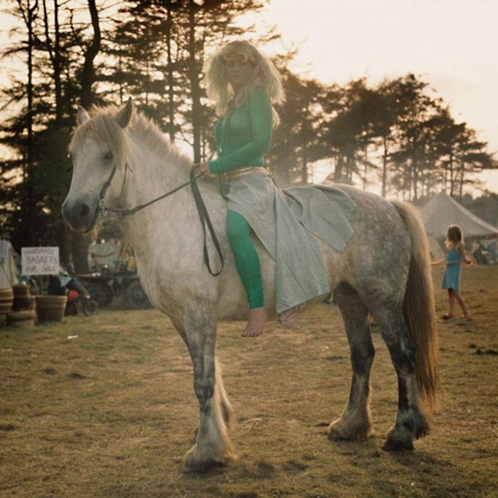 Как и древние цыгане, современные путешественники вместо бензина предпочитают использовать настоящие лошадиные силы