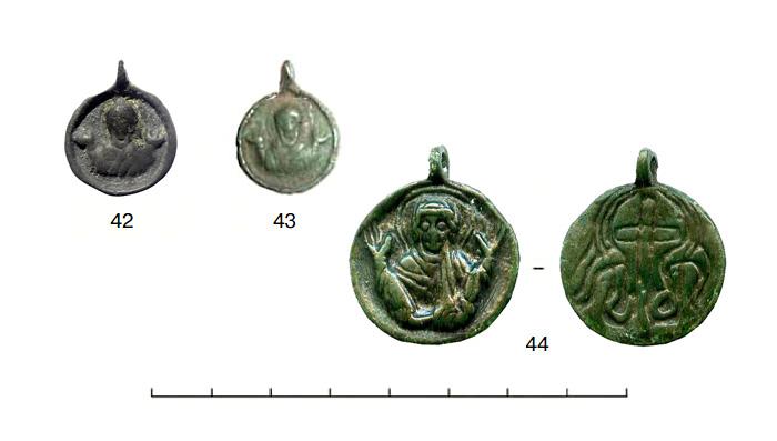 (табл. IV) Иконки XII - XIII вв. с  погрудным изображением Богоматери Оранты