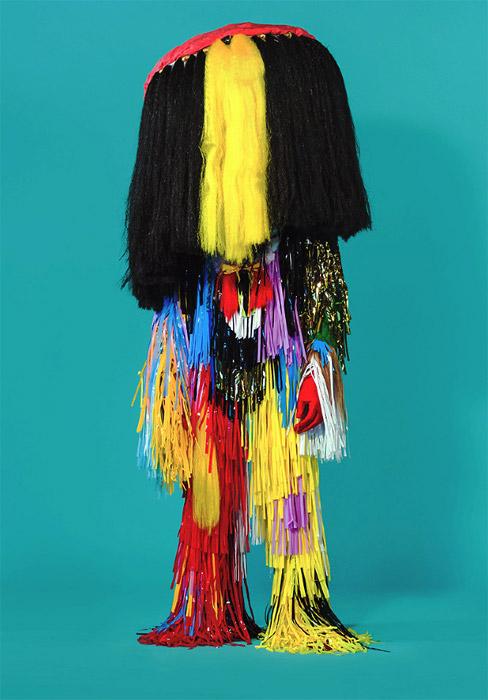 Экстравагантные костюмы художницы и дизайнера  Madeline Moore