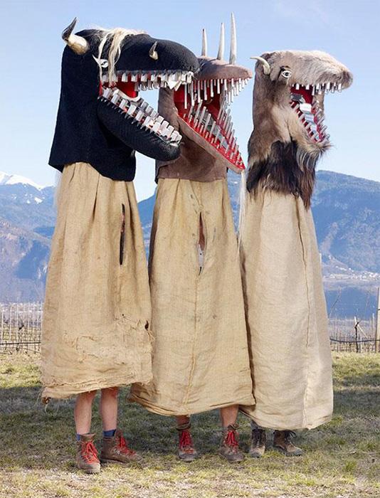 Фантастические костюмы для языческих ритуалов