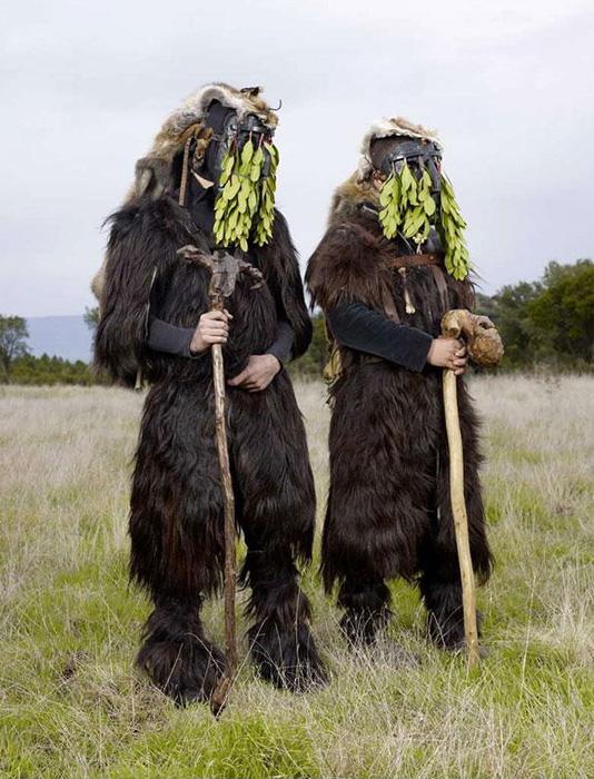 Удивительные костюмы для языческих ритуалов современной Европы