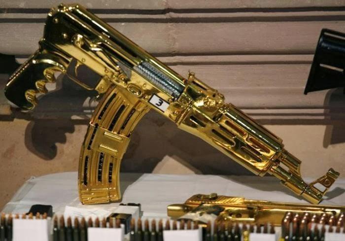 Золотой автомат, принадлежавший мексиканскому наркобарону