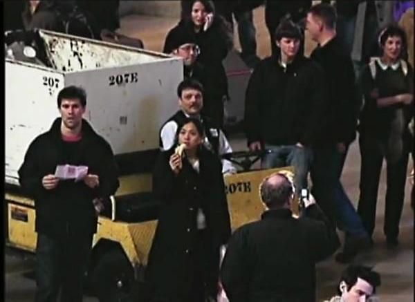 Флэшмоб от Improv Everywhere: замирание людей на главной станции Нью Йорка