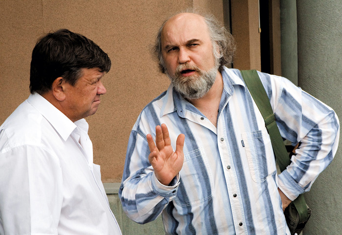 На вопрос 'как дела?' русские отвечают честным и подробным рассказом о своей жизни.